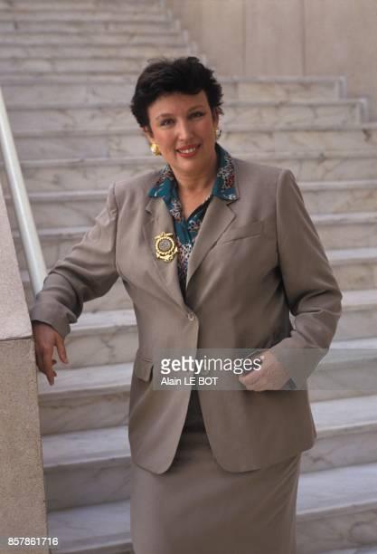 Roselyne Bachelot est depute du Maine et Loire et membre du Conseil National du RPR le 14 mars 1994 France