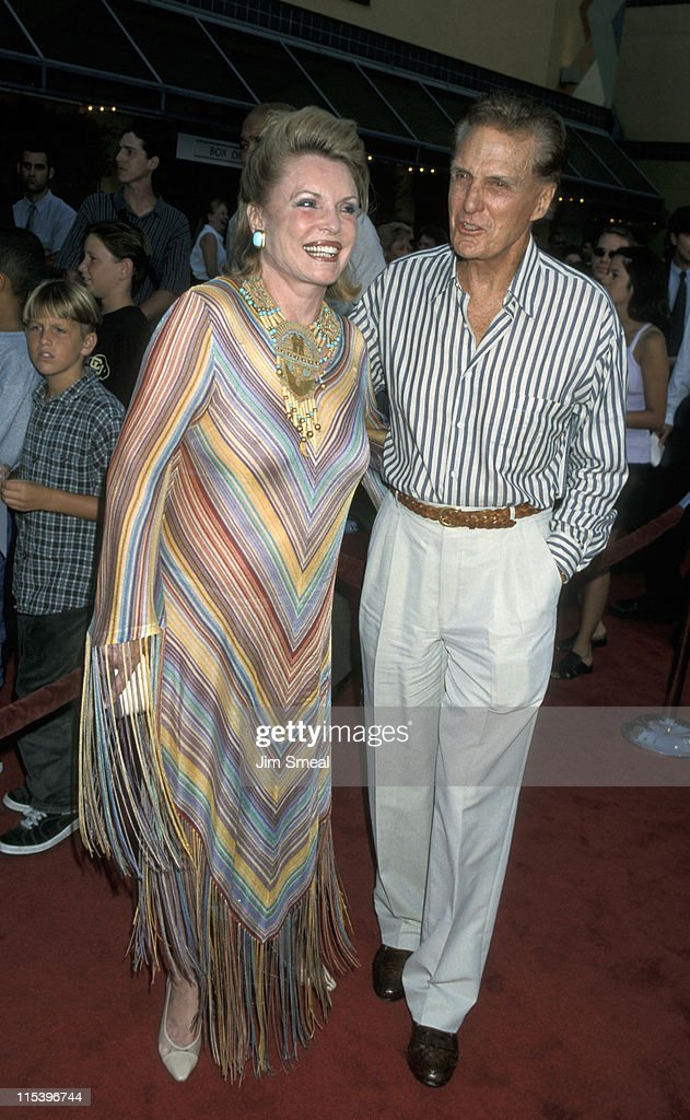 Rosemarie Stack And Robert Stack During Basketball Universal City At Picture