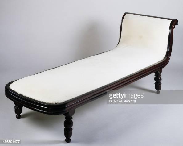 Rosewood chaiselongue Colonial period AngloDutch origin India 19th century