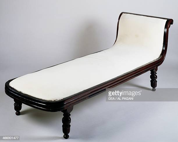 Rosewood chaiselongue Colonial period AngloDutch origin India 19th century