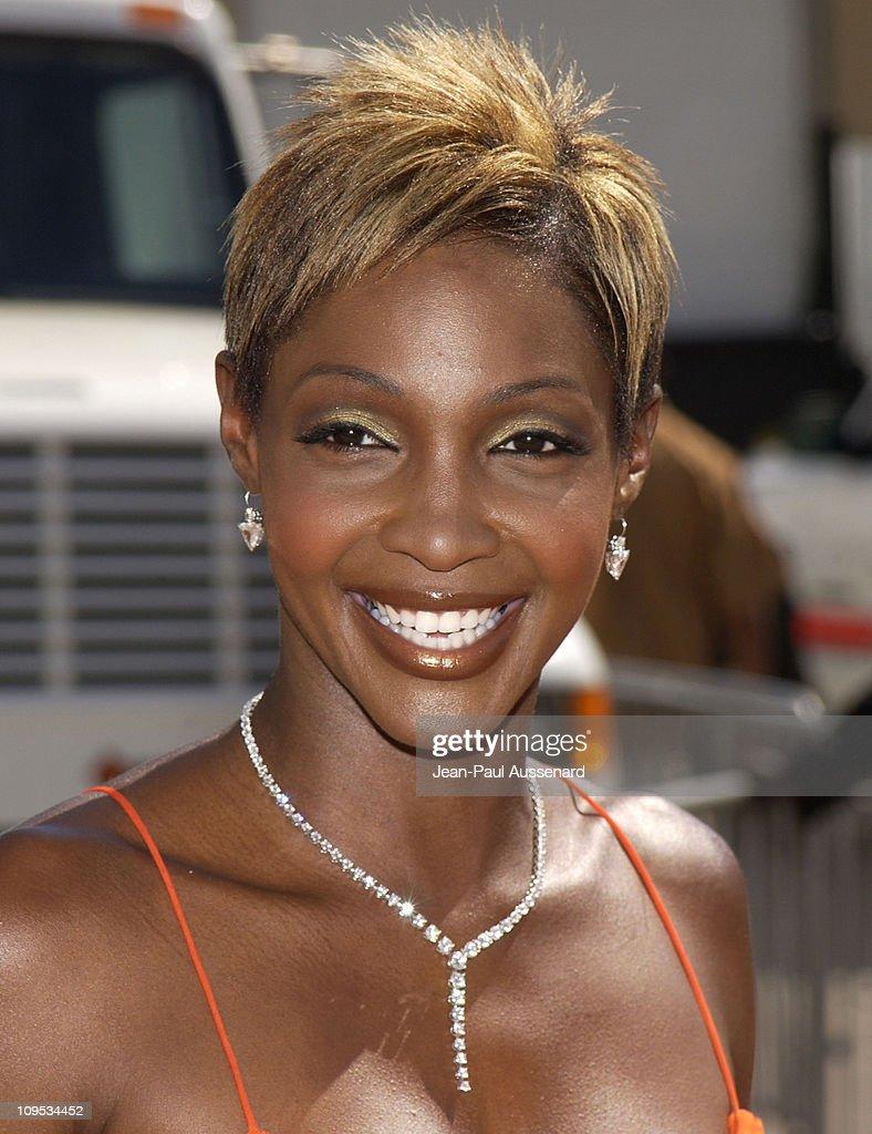 Roshumba Williams wearing a Martin Katz diamond necklace