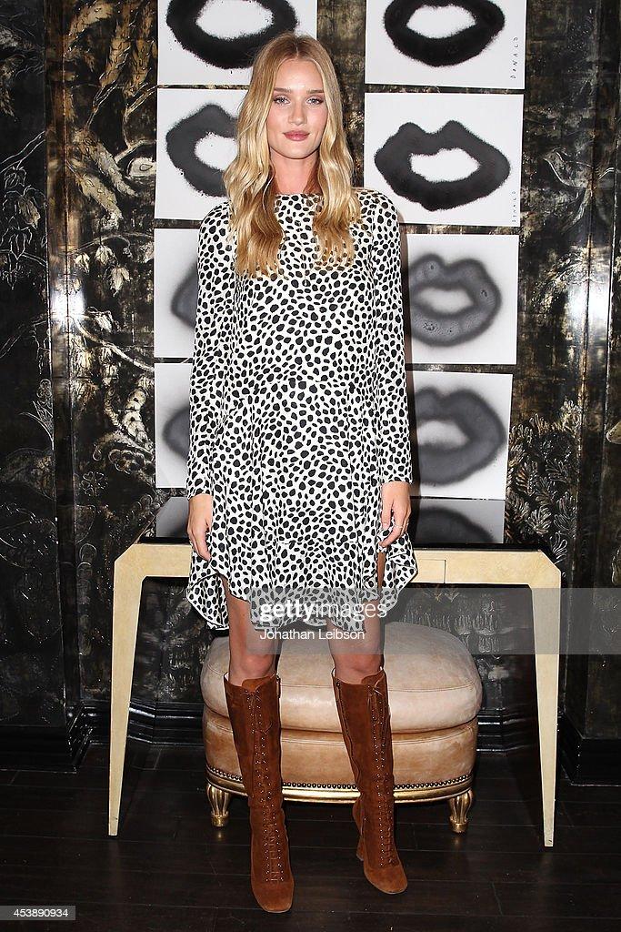 Rosie HuntingtonWhiteley attends Cassandra Huysentruyt Grey Hosts Artist In Residence Donald Robertson Tt VIOLET GREY Melrose Place on August 20 2014...