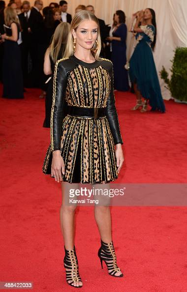 Rosie HuntingtonWhiteley attends the 'Charles James Beyond Fashion' Costume Institute Gala held at the Metropolitan Museum of Art on May 5 2014 in...