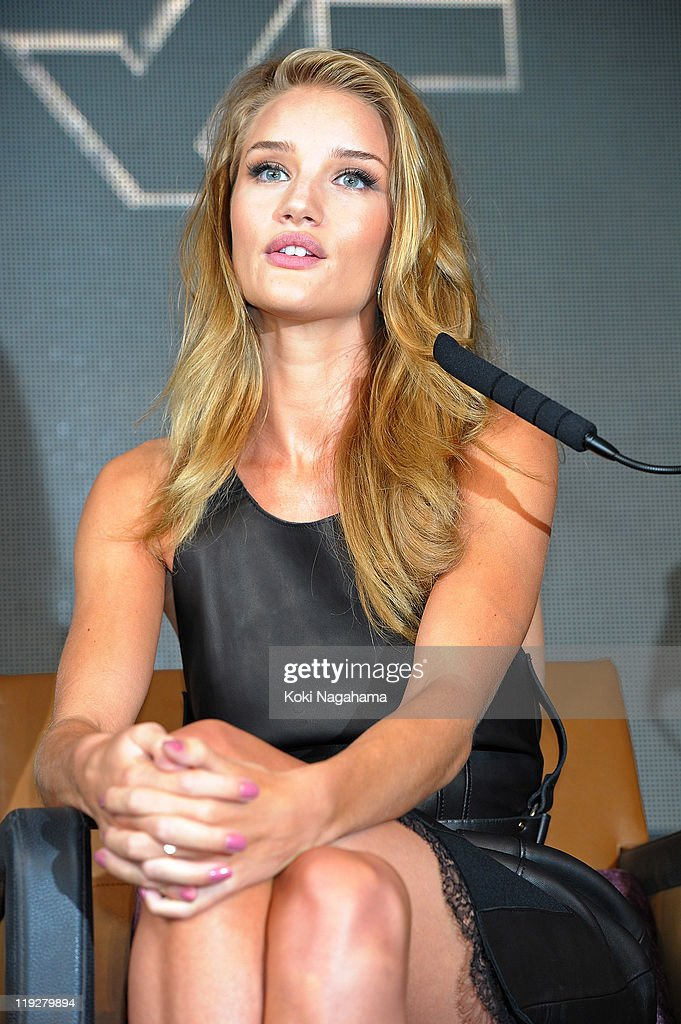 <a gi-track='captionPersonalityLinkClicked' href=/galleries/search?phrase=Rosie+Huntington-Whiteley&family=editorial&specificpeople=2244343 ng-click='$event.stopPropagation()'>Rosie Huntington-Whiteley</a> attends the 'Transformers: Dark of the Moon' press conference at the St. Regis Hotel Osaka on July 16, 2011 in Osaka, Japan. The film will open on July 29 in Japan.