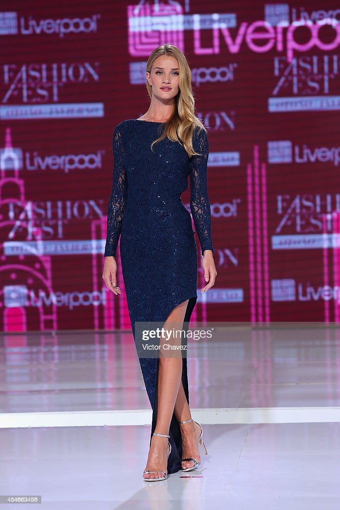 Rosie HuntingtonWhiteley walks the runway during the Liverpool Fashion Fest Autumn/Winter 2014 fashion show at Hipodromo De La Americas on September...