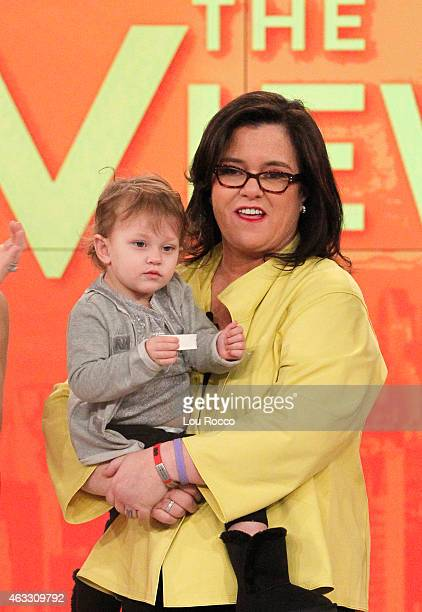 THE VIEW Rosie O'Donnell thanks Barbara Walters and the cast and crew of 'THE VIEW' 2/12/15 on her last day as a cohost She also told viewers that...