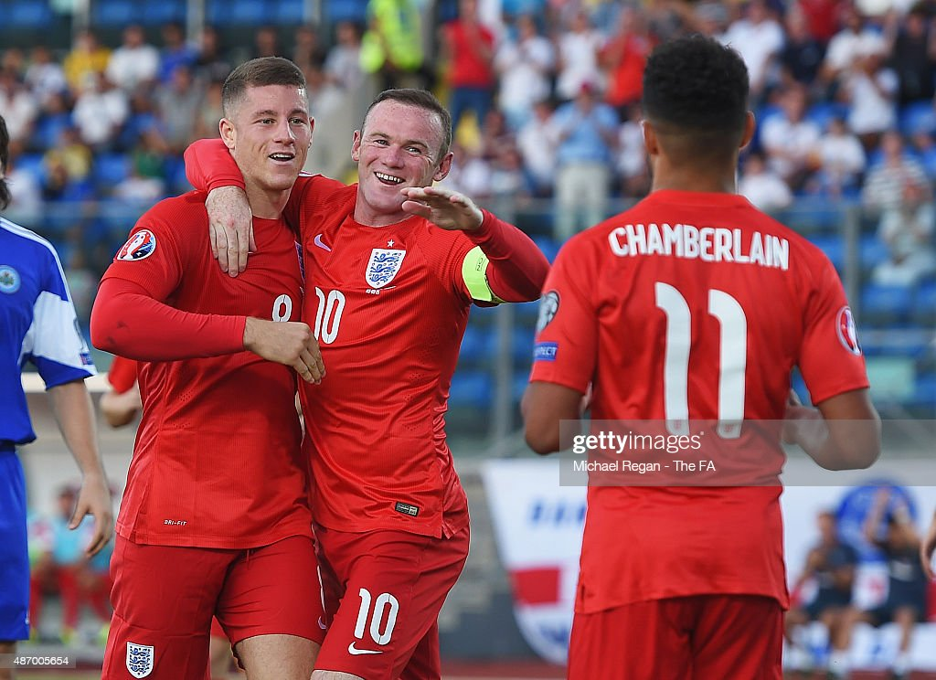 <a gi-track='captionPersonalityLinkClicked' href=/galleries/search?phrase=Ross+Barkley&family=editorial&specificpeople=5806369 ng-click='$event.stopPropagation()'>Ross Barkley</a> (L) of England celebrates scoring England's third goal with <a gi-track='captionPersonalityLinkClicked' href=/galleries/search?phrase=Wayne+Rooney&family=editorial&specificpeople=157598 ng-click='$event.stopPropagation()'>Wayne Rooney</a> of England during the UEFA EURO 2016 Qualifier Group E match between San Marino and England at Stadio Olimpico on September 5, 2015 in San Marino, Italy.