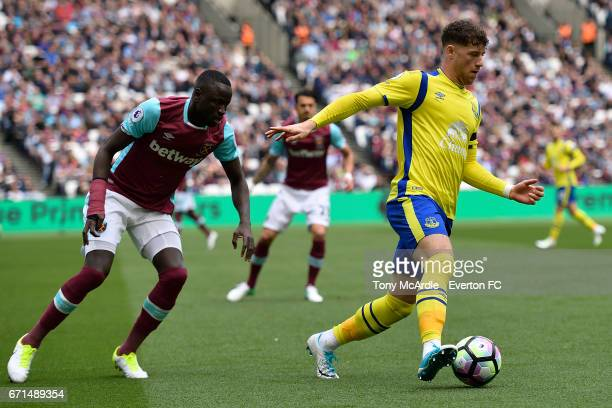 Ross Barkley of Everton and Cheikhou Kouyate of West Ham during the Premier League match between West Ham United and Everton at London Stadium on...