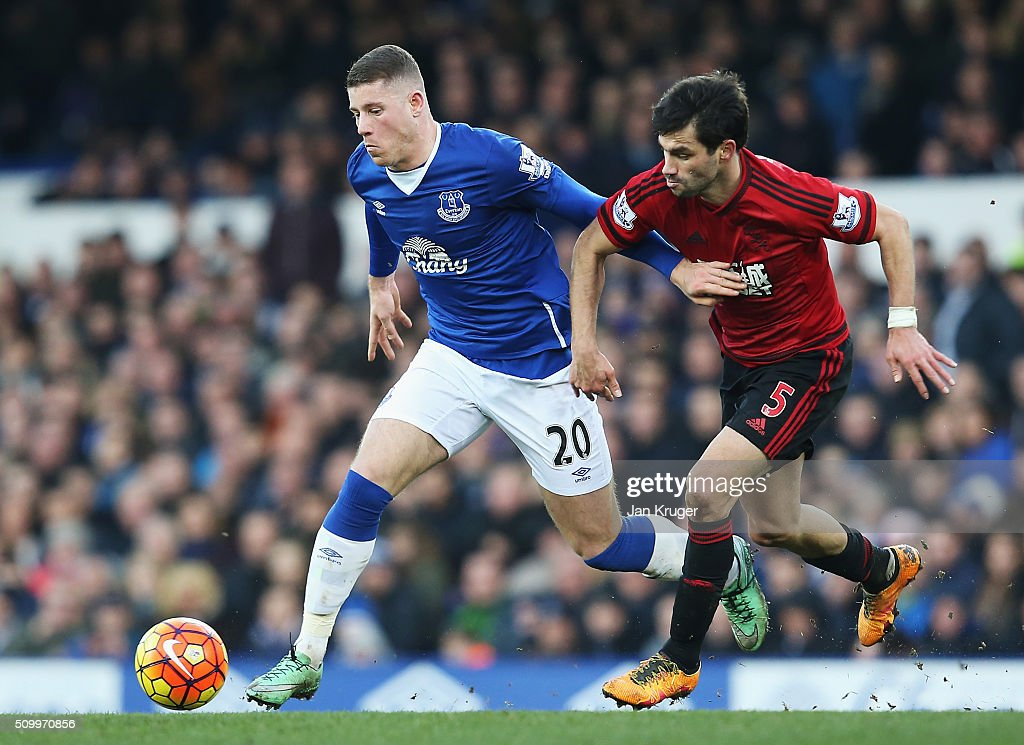 <a gi-track='captionPersonalityLinkClicked' href=/galleries/search?phrase=Ross+Barkley&family=editorial&specificpeople=5806369 ng-click='$event.stopPropagation()'>Ross Barkley</a> of Everton and <a gi-track='captionPersonalityLinkClicked' href=/galleries/search?phrase=Claudio+Yacob&family=editorial&specificpeople=4104249 ng-click='$event.stopPropagation()'>Claudio Yacob</a> of West Bromwich Albion compete for the ball during the Barclays Premier League match between Everton and West Bromwich Albion at Goodison Park on February 13, 2016 in Liverpool, England.