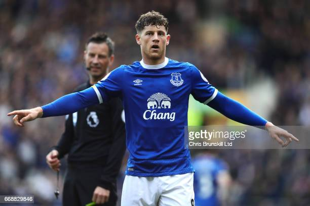 Ross Barkley of Everton celebrates scoring his team's second goal to make the score 21 during the Premier League match between Everton and Burnley at...