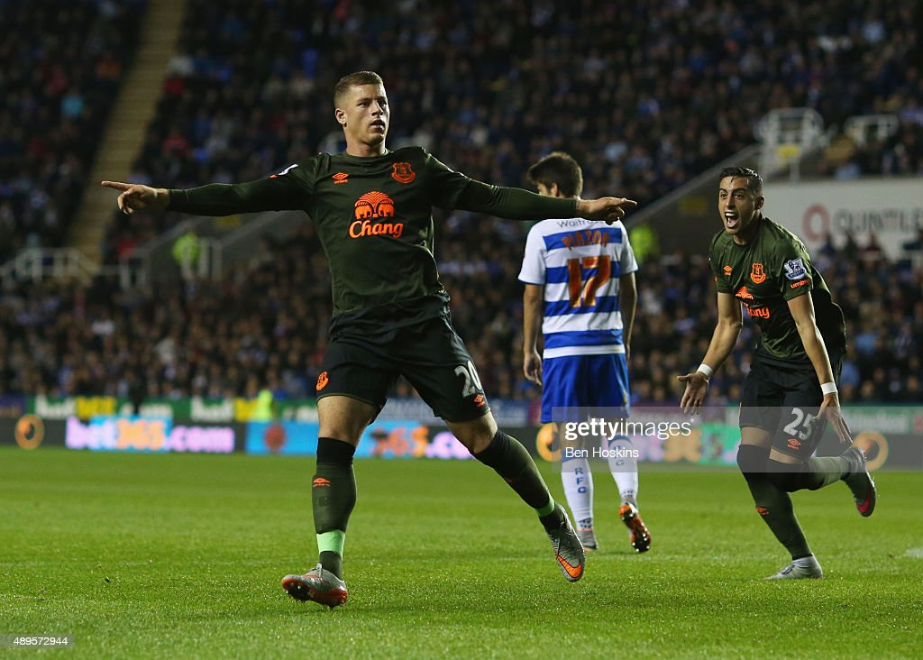 <a gi-track='captionPersonalityLinkClicked' href=/galleries/search?phrase=Ross+Barkley&family=editorial&specificpeople=5806369 ng-click='$event.stopPropagation()'>Ross Barkley</a> of Everton celebrates scoring their first goal during the Capital One Cup third round match between Reading and Everton at Madejski Stadium on September 22, 2015 in Reading, England.