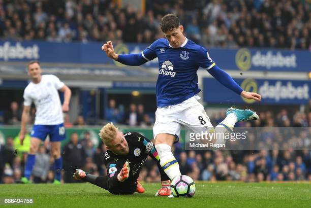 Ross Barkley of Everton is denied by Kasper Schmeichel of Leicester City during the Premier League match between Everton and Leicester City at...