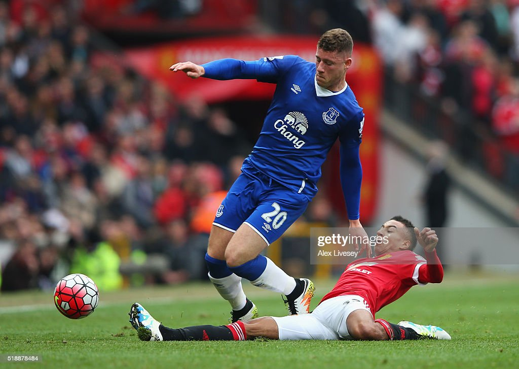 <a gi-track='captionPersonalityLinkClicked' href=/galleries/search?phrase=Ross+Barkley&family=editorial&specificpeople=5806369 ng-click='$event.stopPropagation()'>Ross Barkley</a> of Everton is tackled by <a gi-track='captionPersonalityLinkClicked' href=/galleries/search?phrase=Jesse+Lingard&family=editorial&specificpeople=7601596 ng-click='$event.stopPropagation()'>Jesse Lingard</a> of Manchester United during the Barclays Premier League match between Manchester United and Everton at Old Trafford on April 3, 2016 in Manchester, England.
