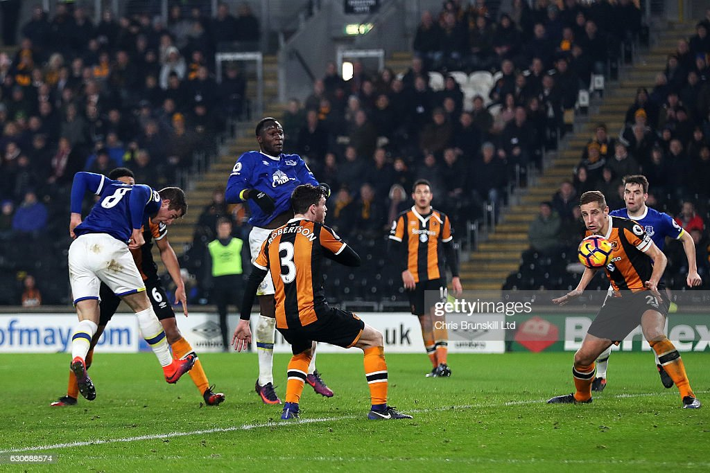 Ross Barkley of Everton scores his team's second goal to make the score 2-2 during the Premier League match between Hull City and Everton at KC Stadium on December 30, 2016 in Hull, England.