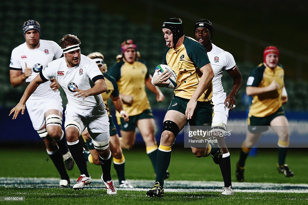 Ross Haylett-Petty of Australia makes a break during the 2014 Junior World Championship match between England and Australia at QBE Stadium on June 6, 2014 in Auckland, New Zealand.