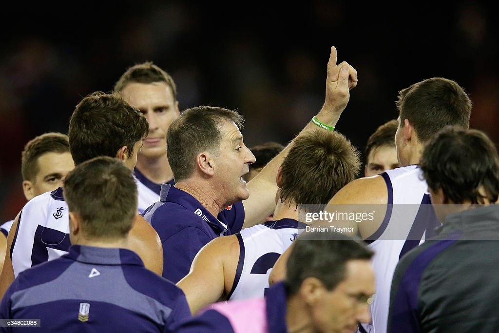Ross Lyon, Senior Coach of the Dockers speaks with his players during the round 10 AFL match between the St Kilda Saints and the Fremantle Dockers at Etihad Stadium on May 28, 2016 in Melbourne, Australia.