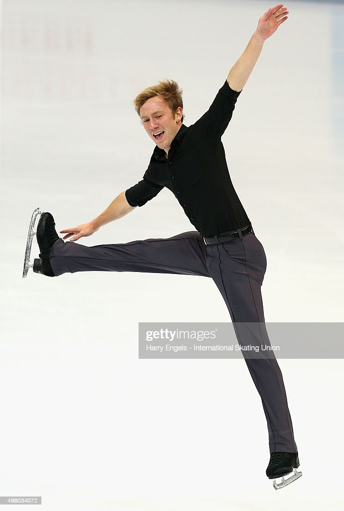 <a gi-track='captionPersonalityLinkClicked' href=/galleries/search?phrase=Ross+Miner&family=editorial&specificpeople=7462475 ng-click='$event.stopPropagation()'>Ross Miner</a> of the USA skates during the Men's Short Program on day one of the Rostelecom Cup ISU Grand Prix of Figure Skating 2015 at the Luzhniki Palace of Sports on November 20, 2015 in Moscow, Russia.