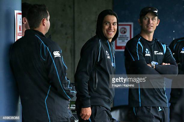 Ross Taylor and Shane Bond of New Zealand look on during a rain delay prior to game two of the One Day International series between New Zealand and...