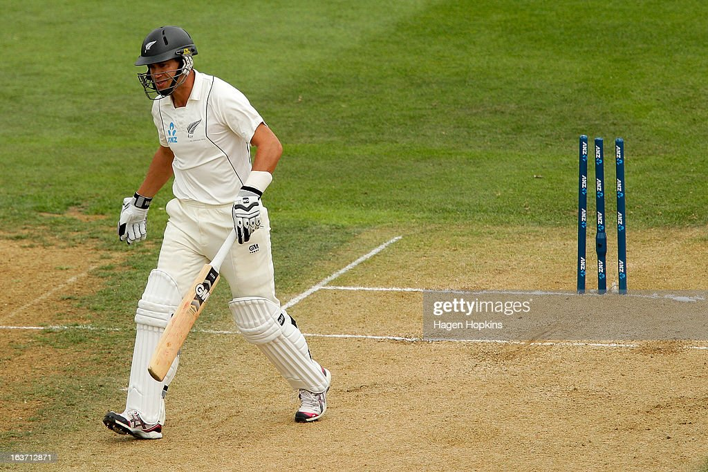 <a gi-track='captionPersonalityLinkClicked' href=/galleries/search?phrase=Ross+Taylor&family=editorial&specificpeople=845922 ng-click='$event.stopPropagation()'>Ross Taylor</a> of New Zealand leaves the crease after being dismissed for a golden duck by Stuart Broad of England during day two of the second Test match between New Zealand and England at Basin Reserve on March 15, 2013 in Wellington, New Zealand.