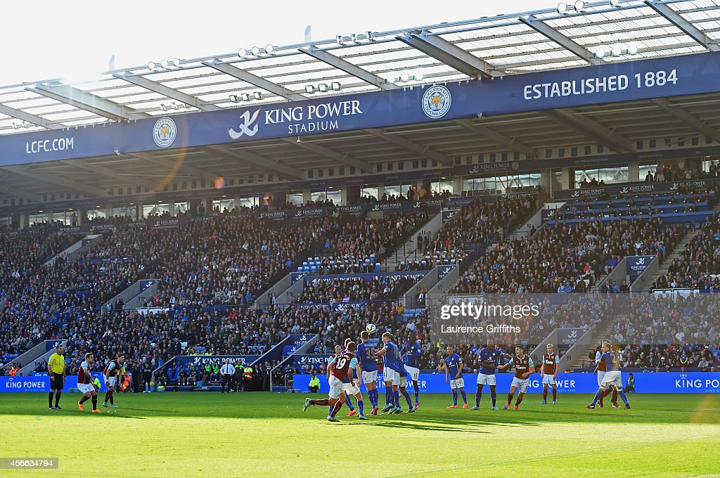 Ross Wallace of Burnley scores their second and equalising goal from a free kick during the Barclays Premier League match between Leicester City and...