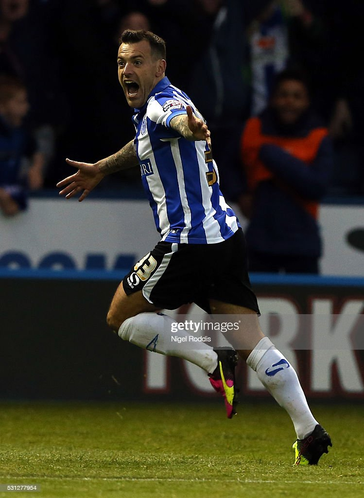 Ross Wallace of Sheffield Wednesday celebrates scoring during the Sky Bet Championship Play Off First Leg between Sheffield Wednesday and Brighton...