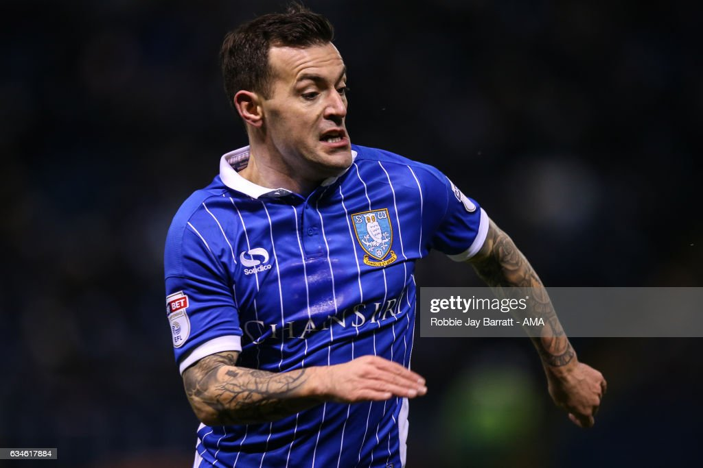 Ross Wallace of Sheffield Wednesday during the Sky Bet Championship match between Sheffield Wednesday and Birmingham City at Hillsborough on February 10, 2017 in Sheffield, England.