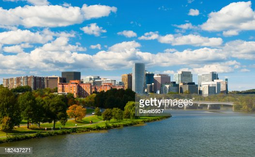 'Rosslyn, Virginia skyline'