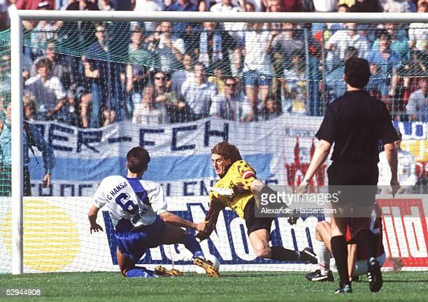 1 BUNDESLIGA 91/92 Rostock FC HANSA ROSTOCK EINTRACHT FRANKFURT 21 TOR zum 10 durch Jens DOWE/ROSTOCK TORWART Uli STEIN/FRANKFURT