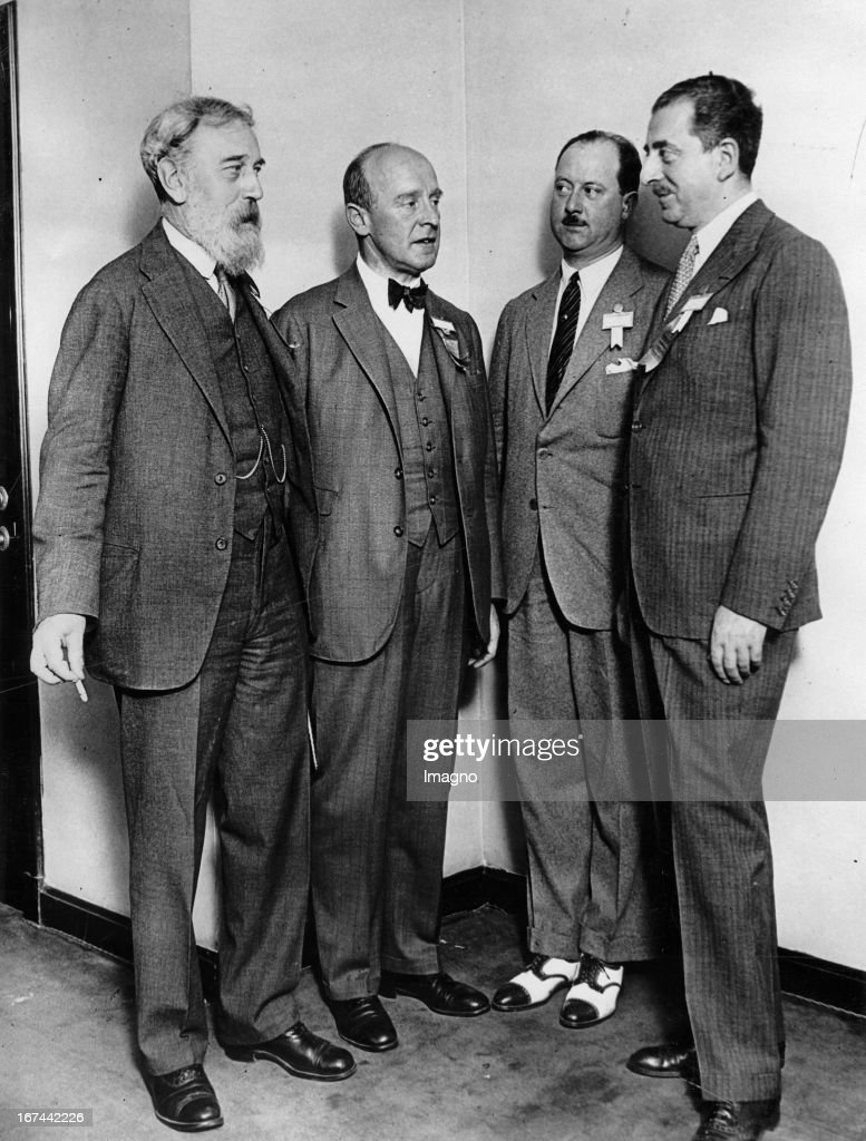 Rotary International Convention in Chicago. Picture shows from left to right: Edward Willens (Brussels); Otto Boehler (Vienna); Charles Jourdon Gassin (Nice) and Marcel Franck (Paris). Chicago. USA. Um 1935. Photograph. (Photo by Imagno/Getty Images) Internationaler Rotary- Convention in Chicago. Picture shows from left to right: Edward Willens (Brüssel); Otto Böhler (Wien);Charles Jourdon Gassin (Nizza) and Marcel Franck (Paris). Chicago. USA. Um 1935. Photographie.