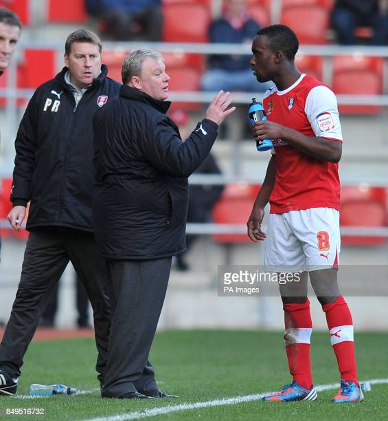 Rotherham United's Manager Steve Evans gives his instructions to Jordan Slewduring the npower Football League Two match at the New York Stadium...