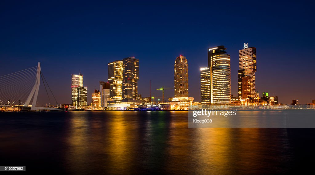 Rotterdam Wilhelmina Pier at Night : Foto de stock
