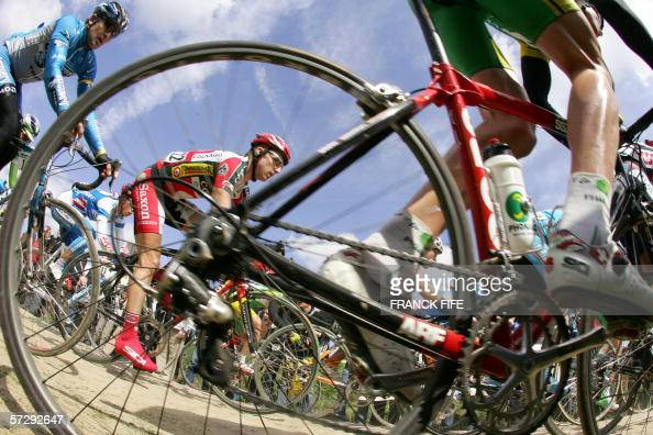 The pack rides during the 104th ParisRoubaix cycling classic race between Compiegne and Roubaix 09 April 2006 Swiss cyclist Fabian Cancellara won the...
