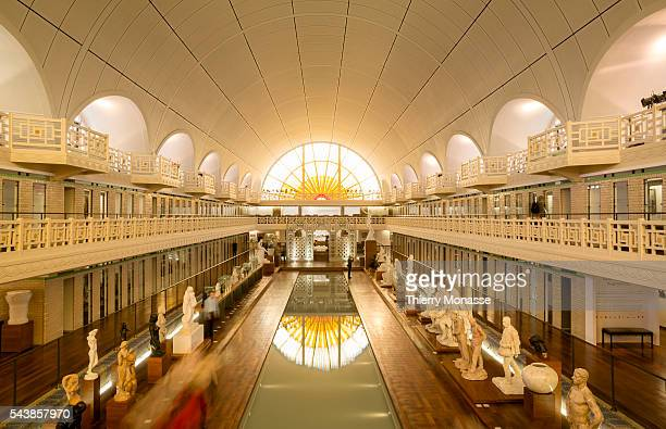 La piscine stock photos and pictures getty images for Piscine de roubaix