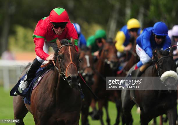 Rougemont ridden by Jimmy Fortune comes home to win the Weatherbys EBF Mawatheeq Maiden Stakes