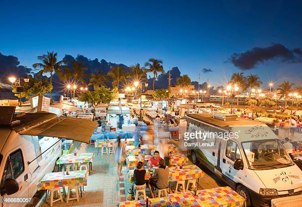 Roulottes at night, Papeete