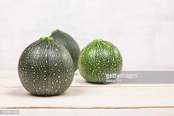 Round courgettes (variety: Eight ball, F1 hybrid)