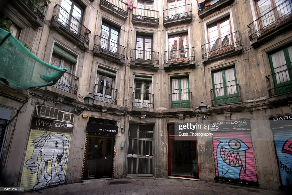 Round facade of housing building in the Gothic Quarter, Barcelona, Catalonia, Spain