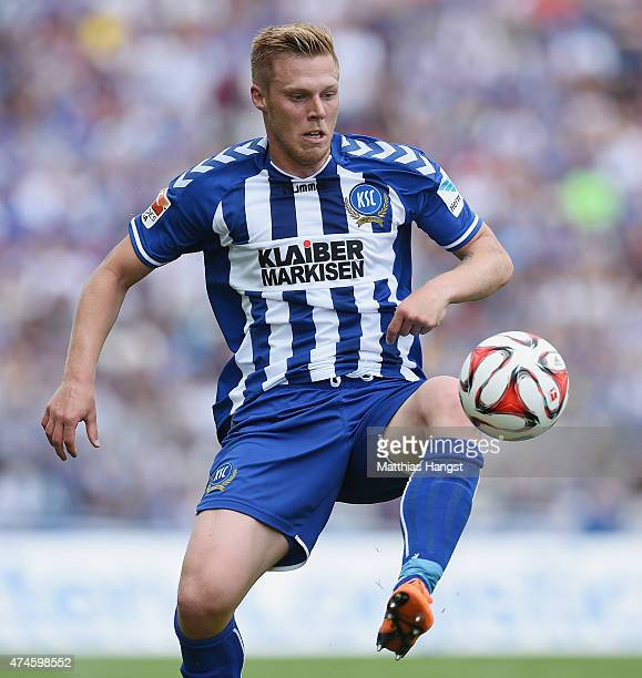 Rouwen Hennings of Karlsruhe controls the ball during the Second Bundesliga match between Karlsruher SC and 1860 Muenchen the at Wildpark Stadium on...