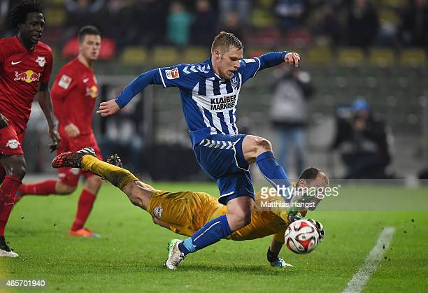 Rouwen Hennings of Karlsruhe misses to score against goalkeeper Fabio Coltorti of RB Leipzig in the last minute of the Second Bundesliga match...
