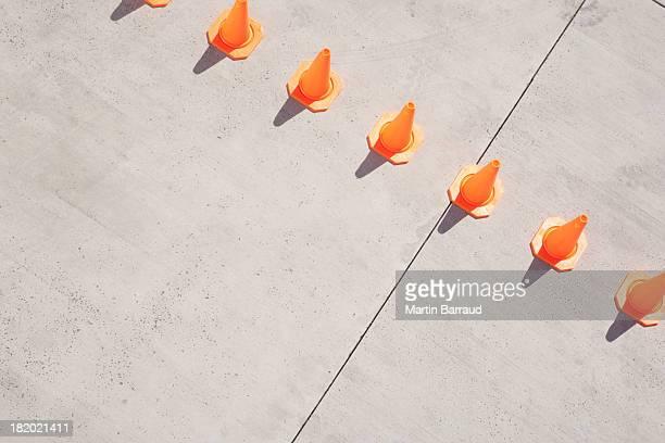 Linha de cones de Trânsito