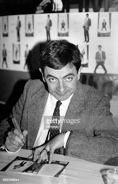 Rowan Atkinson signs copies of Mr Bean video at HMV Oxford St October 1991 P017094