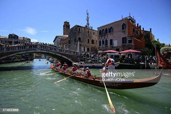 Rowing boats take part in the 41th Vogalonga on May 24 2015 in Venice The Vogalonga is a 30km paddling/rowing race through the city of Venice and the...
