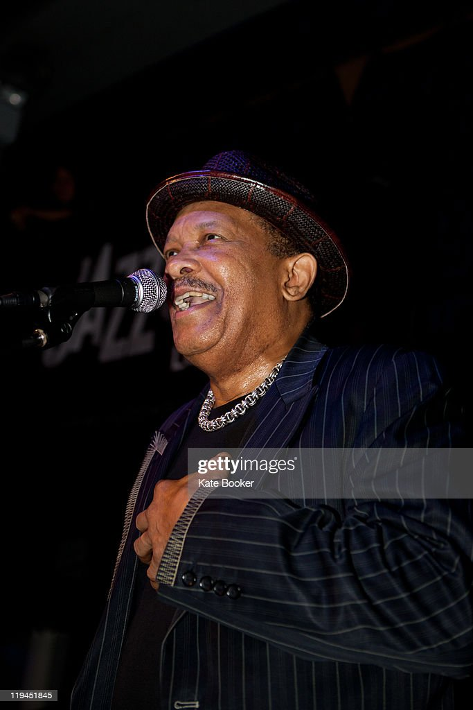 <a gi-track='captionPersonalityLinkClicked' href=/galleries/search?phrase=Roy+Ayers&family=editorial&specificpeople=760927 ng-click='$event.stopPropagation()'>Roy Ayers</a> performs on stage at The Jazz Cafe on July 20, 2011 in London, United Kingdom.