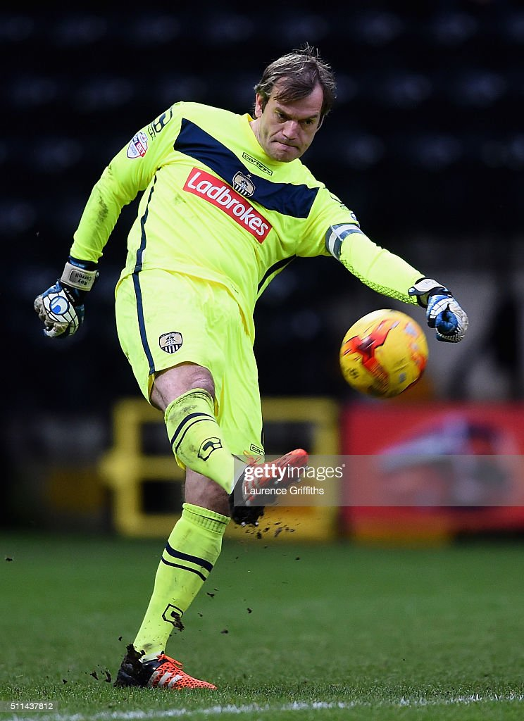 <a gi-track='captionPersonalityLinkClicked' href=/galleries/search?phrase=Roy+Carroll&family=editorial&specificpeople=206286 ng-click='$event.stopPropagation()'>Roy Carroll</a> of Notts County in action during the Sky Bet League Two match between Notts County and Leyton Orient at Meadow Lane on February 20, 2016 in Nottingham, England.