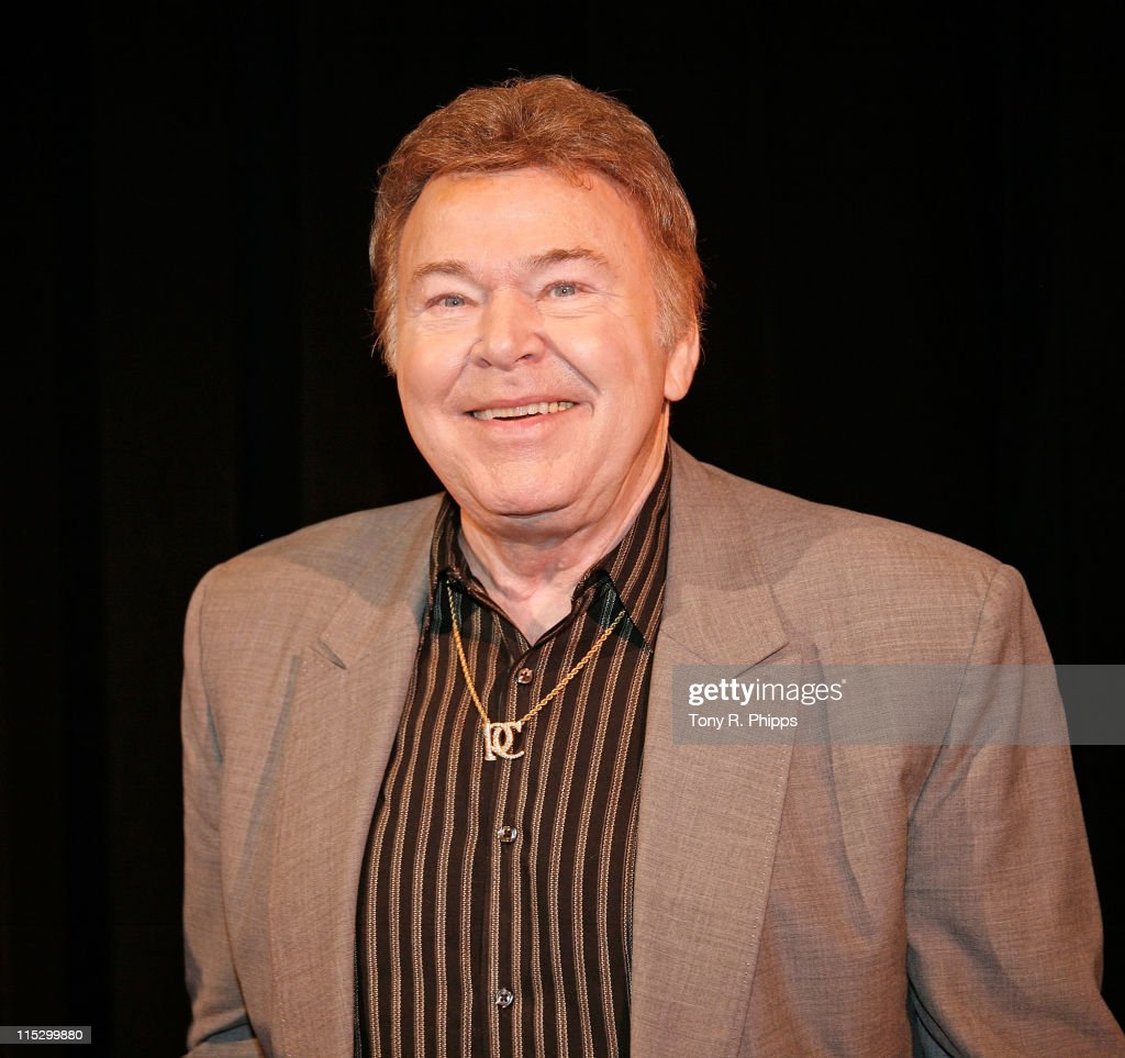 Roy Clark attends the 2009 Country Music Hall of Fame Inductees announcement at the Ford Theater at The Country Music Hall of Fame and Museum on February 4, 2009 in Nashville, Tennessee.