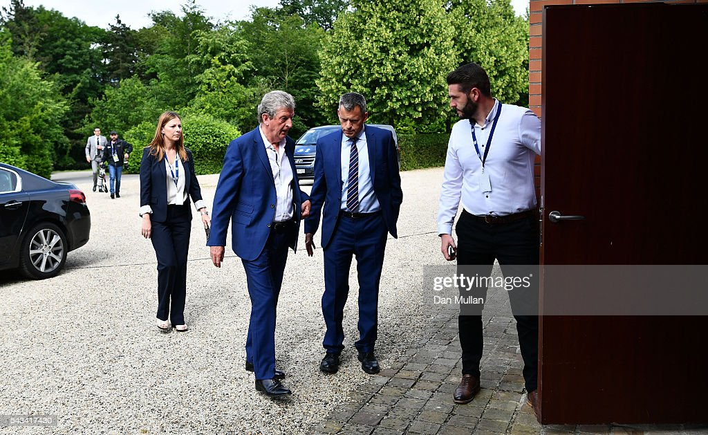 <a gi-track='captionPersonalityLinkClicked' href=/galleries/search?phrase=Roy+Hodgson&family=editorial&specificpeople=881703 ng-click='$event.stopPropagation()'>Roy Hodgson</a> and <a gi-track='captionPersonalityLinkClicked' href=/galleries/search?phrase=Martin+Glenn&family=editorial&specificpeople=3632504 ng-click='$event.stopPropagation()'>Martin Glenn</a>, CEO of the FA arrive for a press conference on June 28, 2016 in Chantilly, France.
