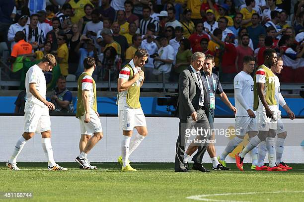 Roy Hodgson leads his players from the pitch during the 2014 FIFA World Cup Brazil Group D match between Costa Rica and England at Estadio Mineirao...