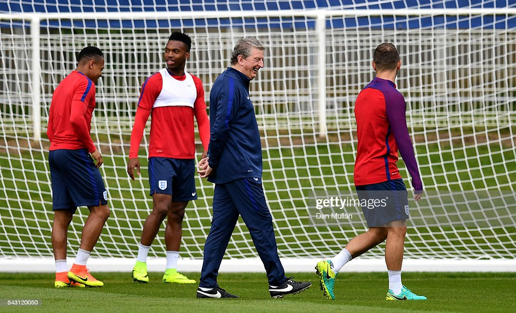 <a gi-track='captionPersonalityLinkClicked' href=/galleries/search?phrase=Roy+Hodgson&family=editorial&specificpeople=881703 ng-click='$event.stopPropagation()'>Roy Hodgson</a>, Manager of England shares a joke with Jack Wilshire of England (r) during a training session ahead of the UEFA Euro 2016 match against Iceland at Stade du Bourgognes on June 26, 2016 in Chantilly, France.