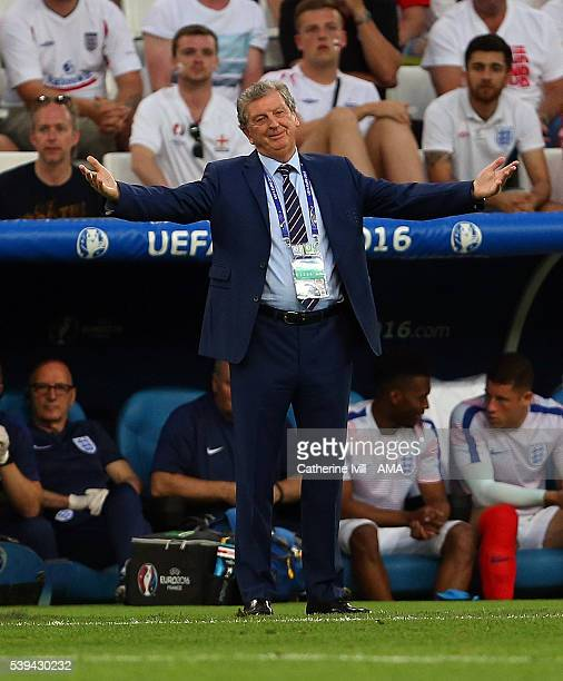 Roy Hodgson manager of England shrugs his shoulders during the UEFA EURO 2016 Group B match between England and Russia at Stade Velodrome on June 11...