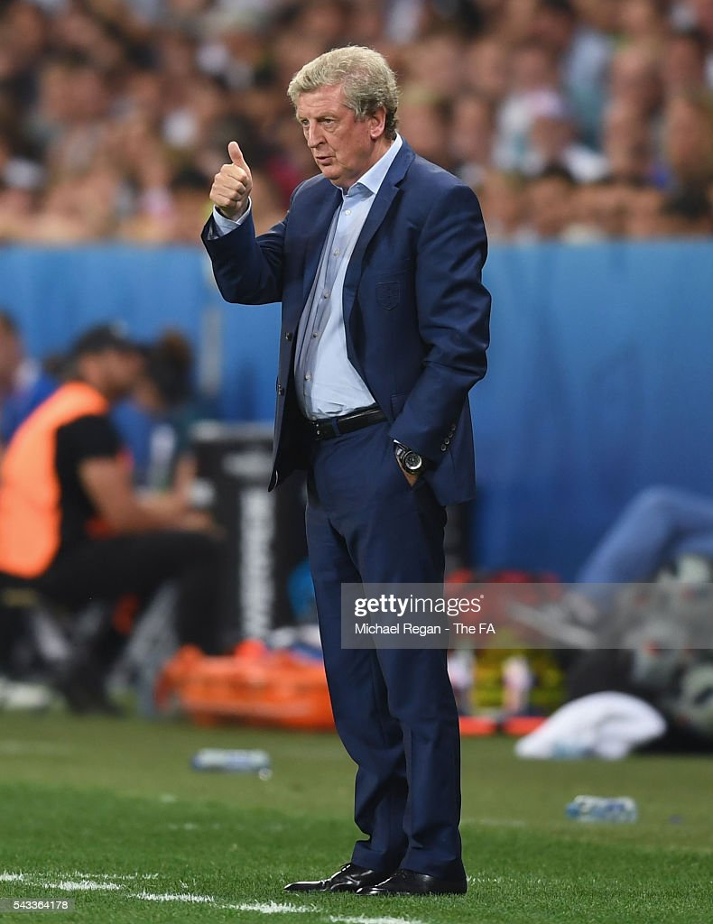 <a gi-track='captionPersonalityLinkClicked' href=/galleries/search?phrase=Roy+Hodgson&family=editorial&specificpeople=881703 ng-click='$event.stopPropagation()'>Roy Hodgson</a> manager of England thumbs up during the UEFA EURO 2016 round of 16 match between England and Iceland at Allianz Riviera Stadium on June 27, 2016 in Nice, France.